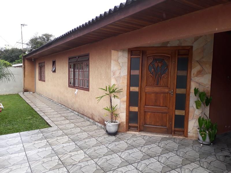 Casa Piraquara, Bairro Santa Maria .